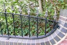 note-how-closely-the-railing-reflects-the-curvature-of-the-wall